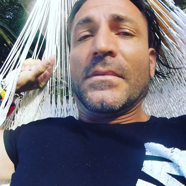 Me and the hammock = Zzzz